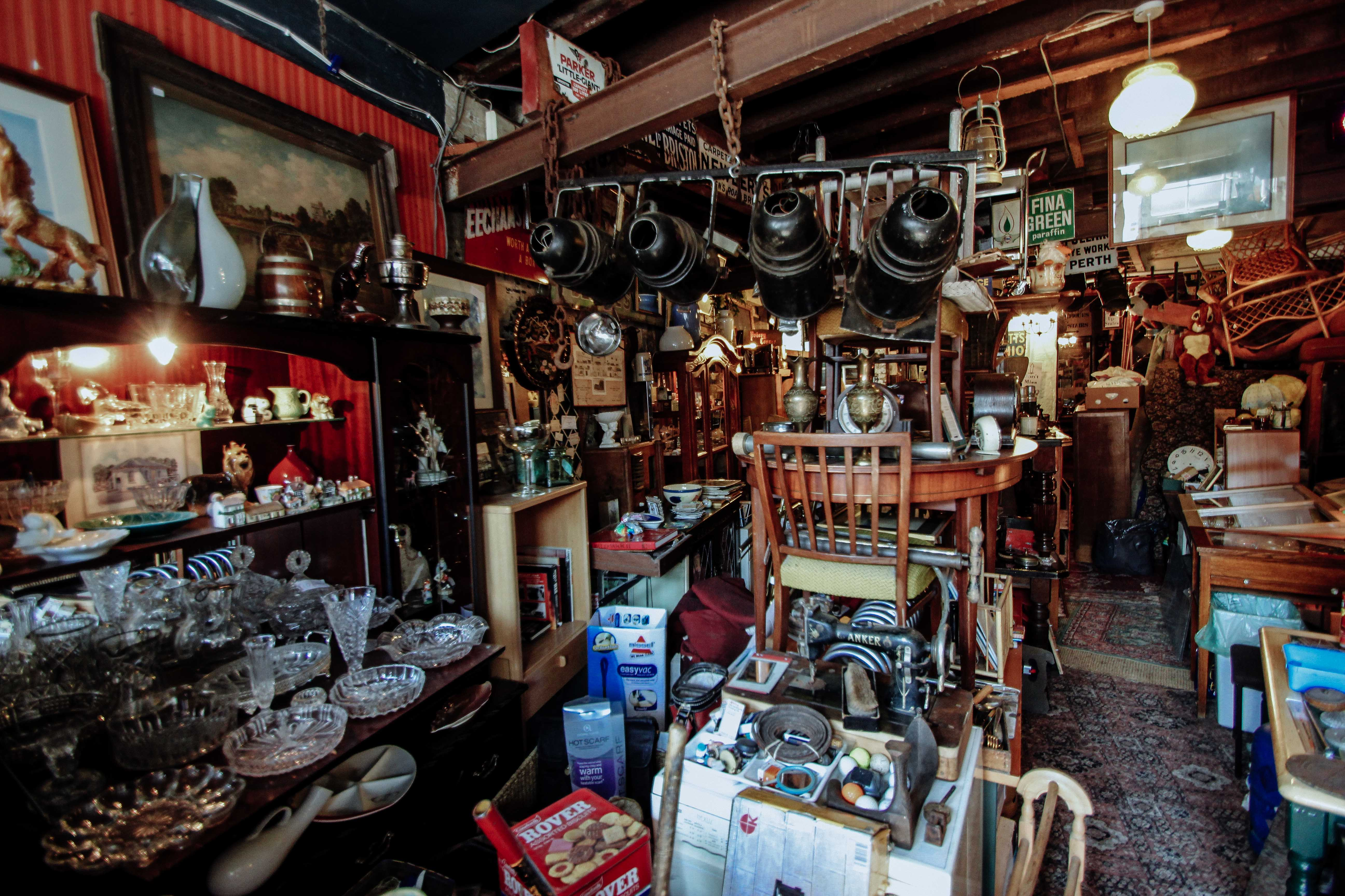 Cardiff hidden gem rose street flea market we are cardiff for Antique marketplace