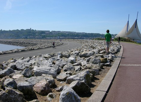 Cardiff Bay Barrage by Gordon Plant