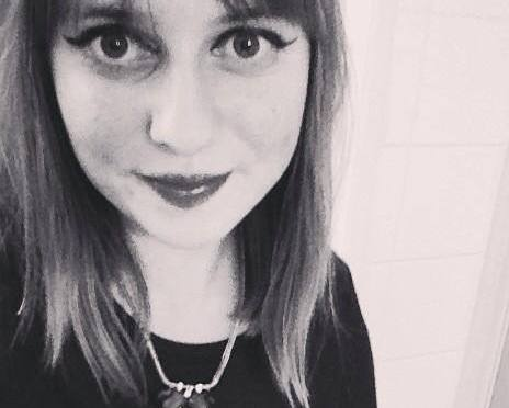 """My teenage cancer experience"" – by Cardiff Uni student, Ellie Philpotts"