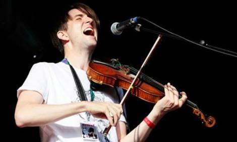 Owen pallett playing violin