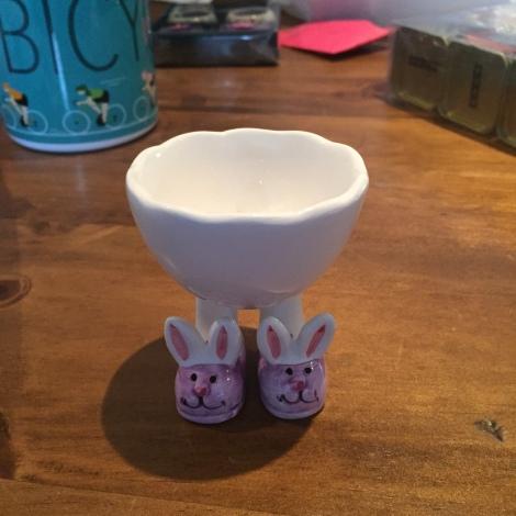 Bunny feet egg cup