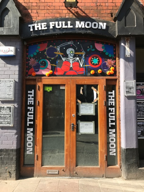 The Full Moon doorway, Cardiff
